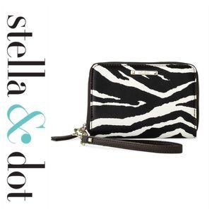 💕SALE💕 NWT Stella & Dot Zebra Wristlet Wallet